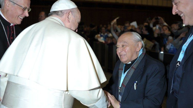 Pope-Francis-and-Fr.-Gustavo-Gutiérrez